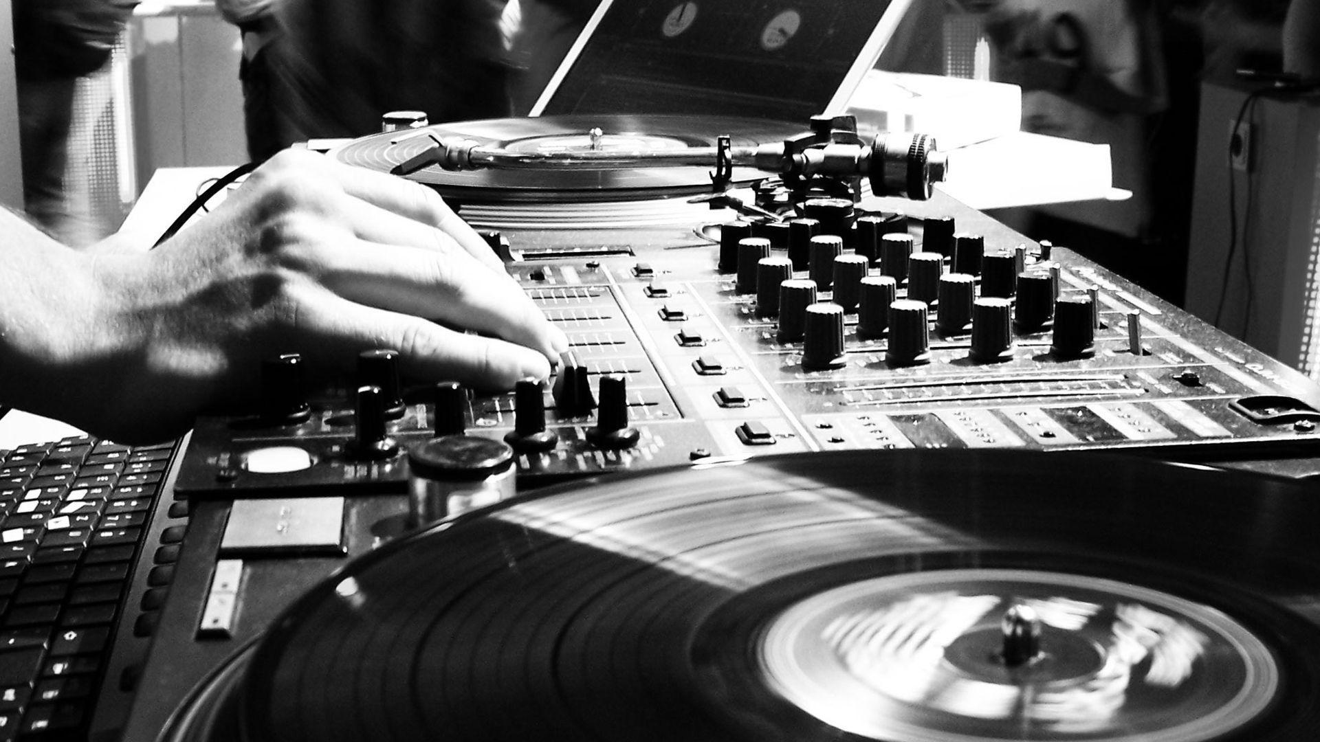 turntables and hip-hop