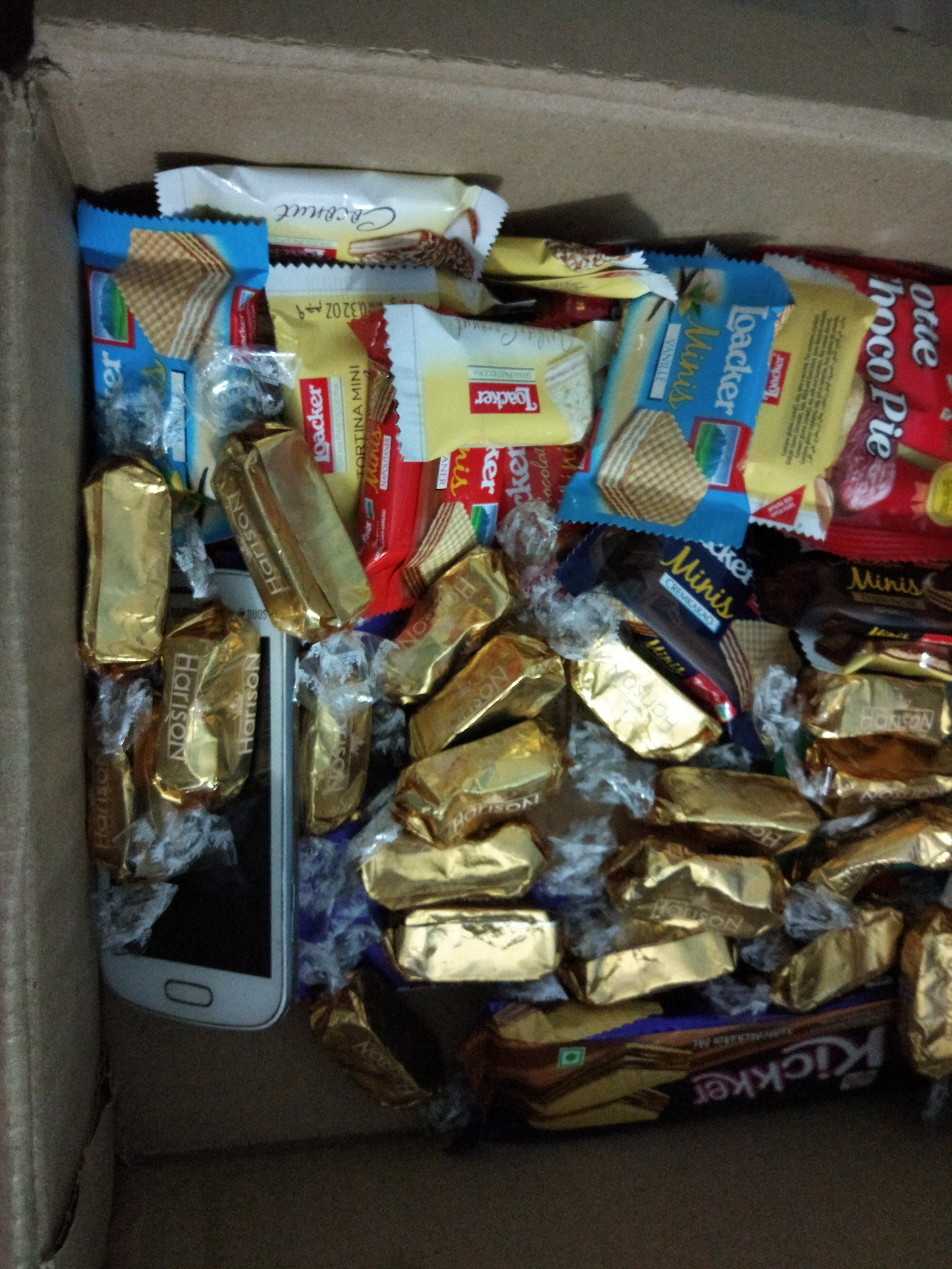 samsung phone in candy box