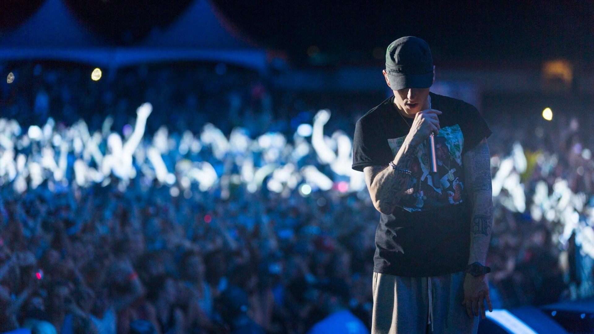 eminem on stage